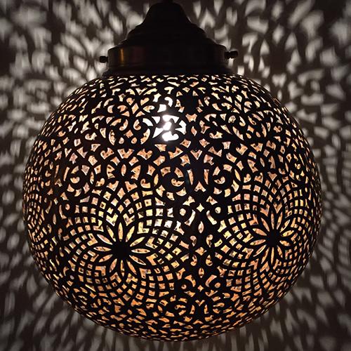 Marokanskt Taklampa (handgjordlampa med fantastiskt ljusmönster)