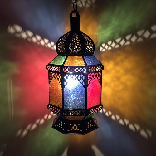 Handgjort taklampa i fina färger