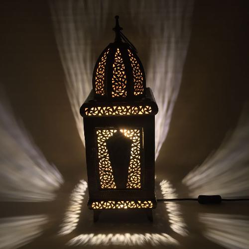 Handgjord bordslampa